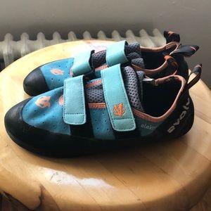 Evolv Electra Climbing Shoes 7.5 size